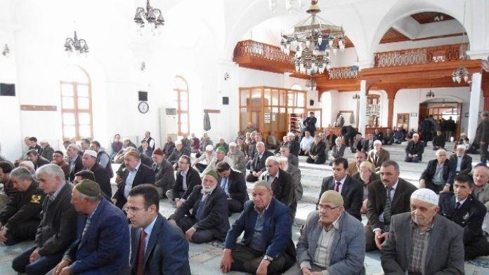 Bolvadin'de Şehit Polisler Unutulmadı