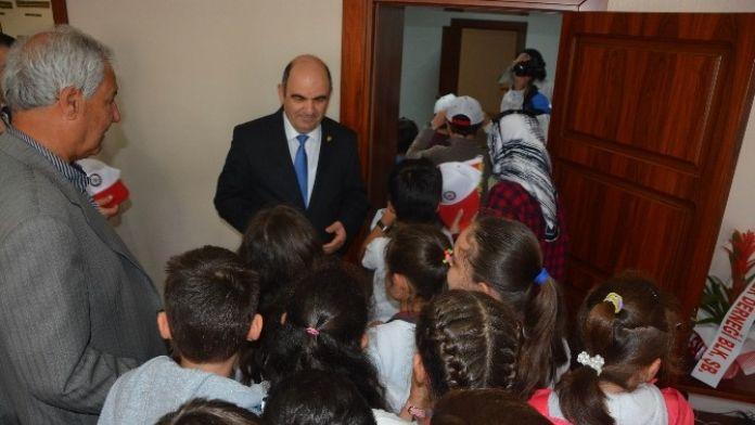 Ercan Kıvrak Öğrencileri Polis Haftasını Kutladı