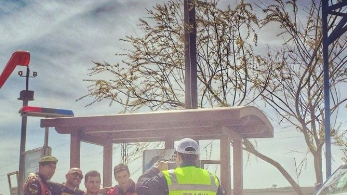 Ünlü Komedyen Ceza Kesen Trafikçilerle Böyle Poz Verdi