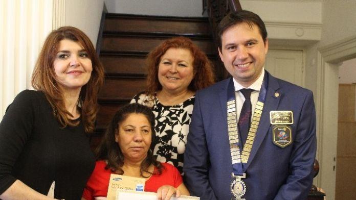 Kuşadası Engelliler Köyü Öğrencisine Ödül