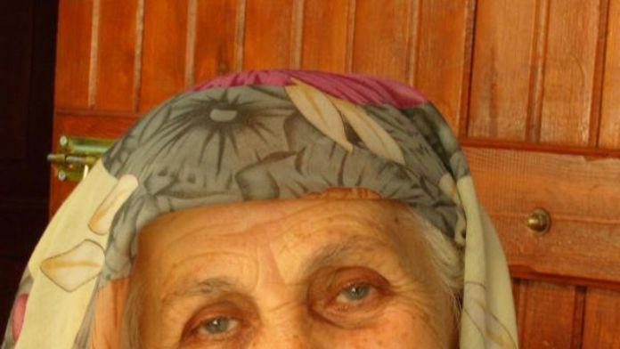 Başkan Kocaoğlu, annesini kaybetti / Fotoğraf