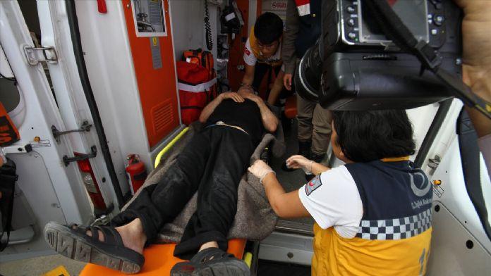 Özgecan'ın katillerinden baba ile oğlu silahla yaralandı