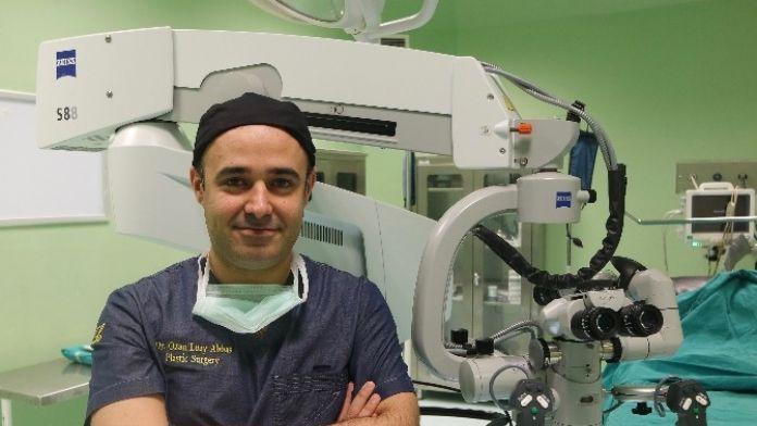 Mikrocerrahi Yöntemle 5 Saat Süren Ameliyat Başarı İle Yapıldı