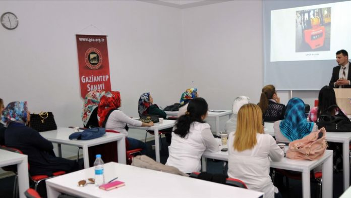 Kadınlar için 'forklift operatörlüğü' kursu açıldı
