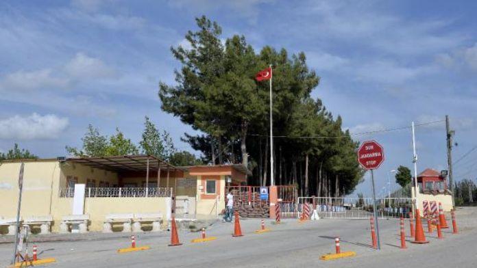 Özgecan'ın katillerine cezaevinde silahlı saldırı; Oğlu öldü, baba yaralı (2)- Yeniden