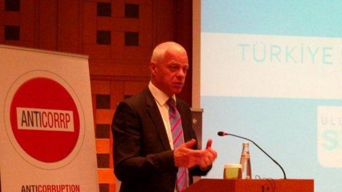 OECD: Türkiye'de ekonomik gelişme gerçek sorunları kenara itiyor