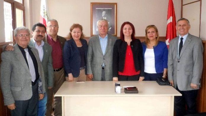 Agc Başkanı Şener, Yerel Basına Sahip Çıkılmasını İstedi