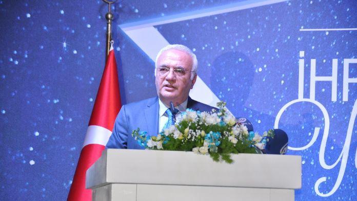 Yeni Merkez Bankası Başkanını övdü