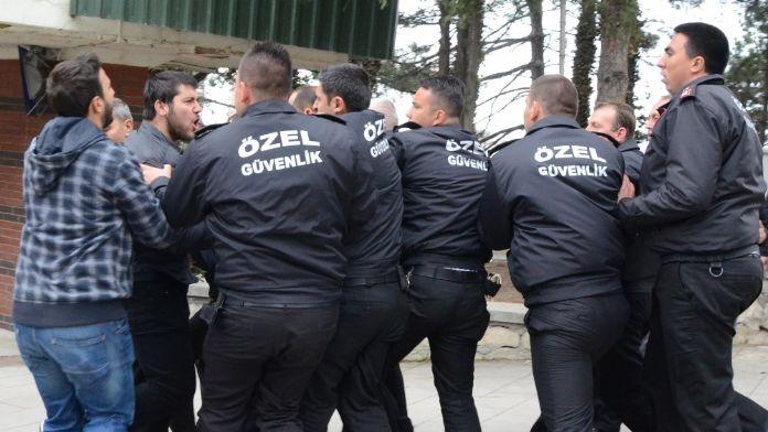 Anadolu Üniversite'sinde arbede