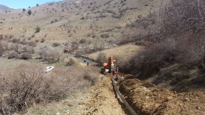 Büyükşehir, Kırsala Çelik Borularla Sulama Suyu Götürüyor