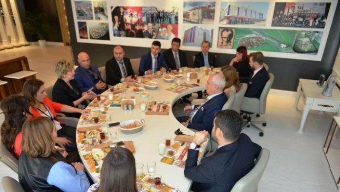 Bozbey Çalışanlarla Öğle Yemeğinde Bir Araya Geldi