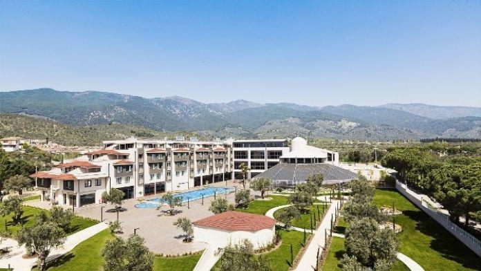 Kuzey Ege'nin İlk Uluslararası Zincir Oteli Açıldı