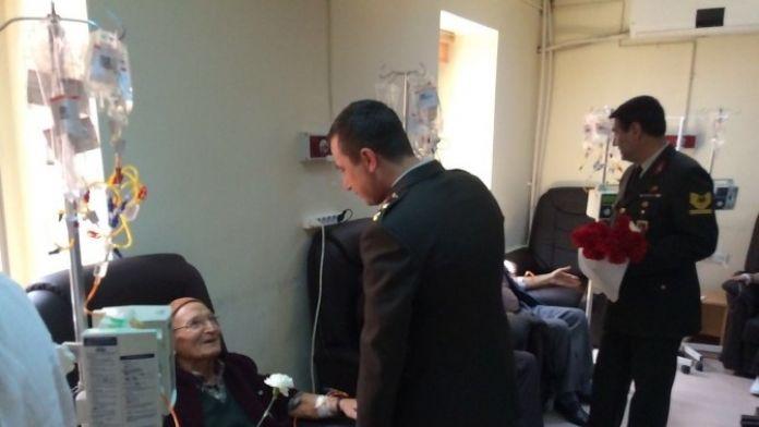 Jandarmadan Kanser Hastalarına Karanfil