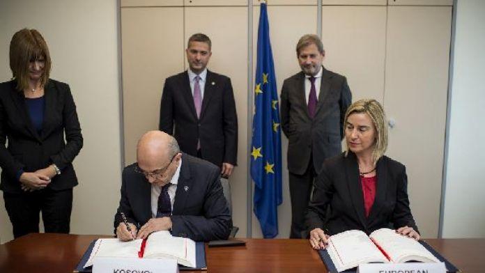 Mogherini ve Hahn İstikrar ve Ortaklık Anlaşması'nın denetlemek için Kosova'ya geliyor