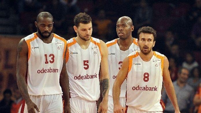 Galatasaray, Daçka Karşısında