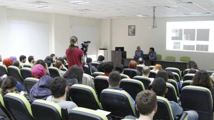 SAÜ'de 'Arafta Bir Estetik' Adlı Bir Söyleşi Düzenlendi