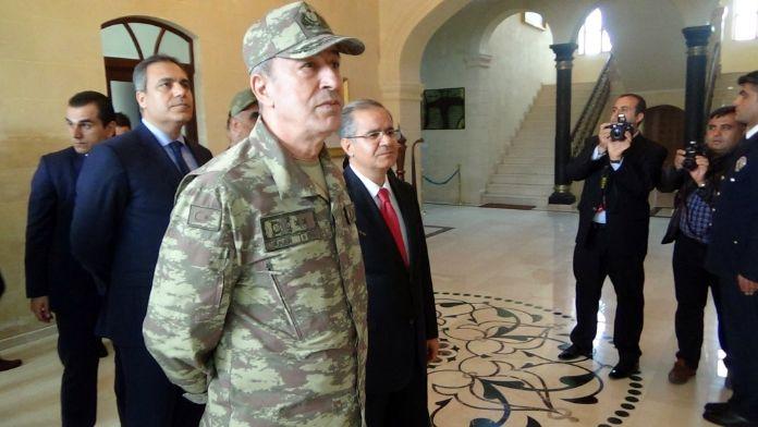 Genelkurmay Başkanı sınır birliklerini ziyaret etti