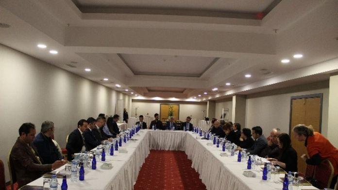 İl Kültür Ve Turizm Müdürü İsmet Taymuş Turizmcilerle Toplantı Yaptı