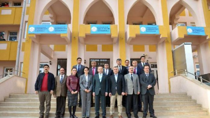 Diyarbakır'da 1 binada 5 okul tabelası