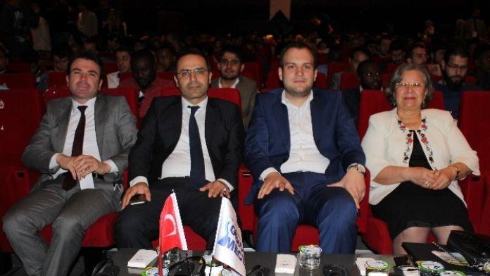 Türkiye'de Bir İlk; Yabancı Öğrencilerle Kariyer Zirvesi Yapıldı