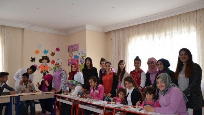 Lise Öğrencileri, Rehabilitasyon Merkezini Ziyaret Etti