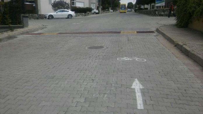 Teski Mazgallara Bisiklet Ve Engelli Geçiş Yolları Yapıyor