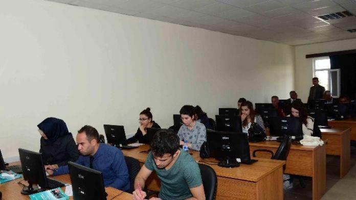Aday Memurlar Temel Eğitim Sınavlarına Girdi