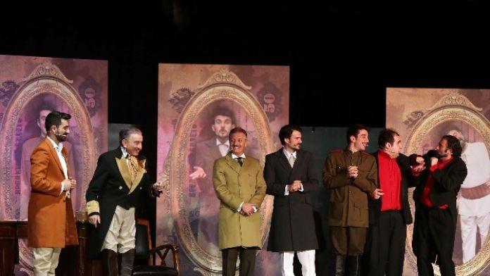 Başkan Yaşar Usta Tiyatroculara Kapılarını Açtı