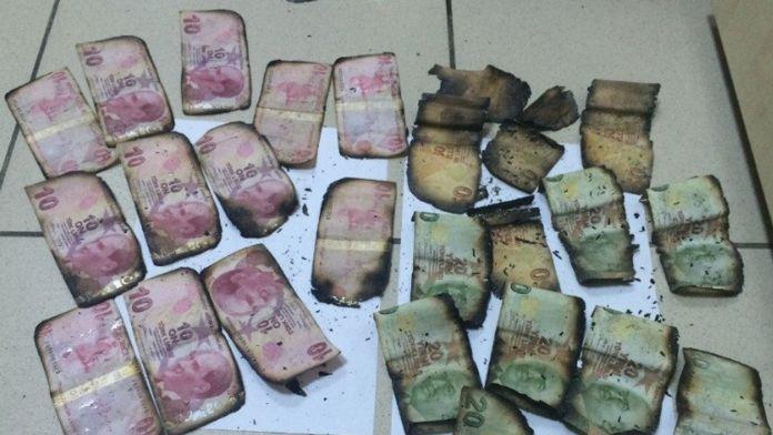 Polisi görünce parayı yaktılar