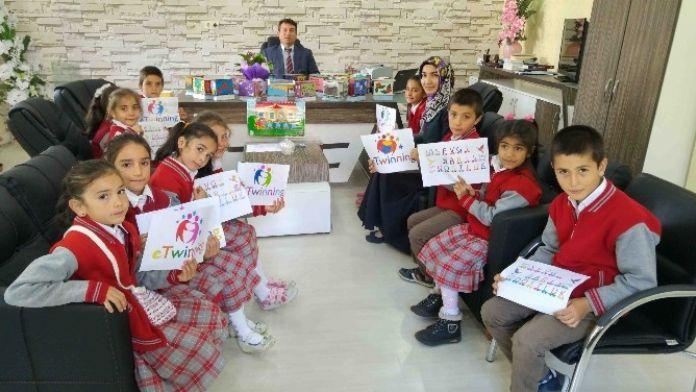 Sevgi, Barış Ve Dostluk Treni Beyşehir'e De Uğradı
