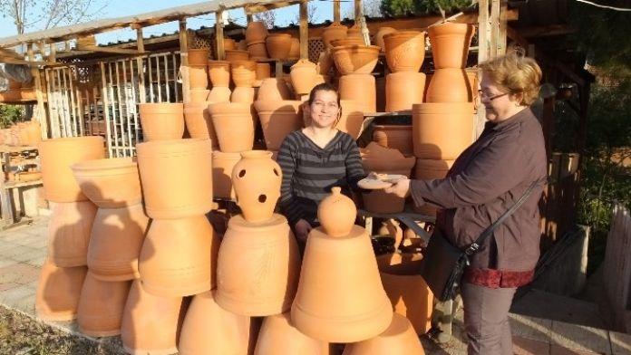 Burhaniye'de Toprak Kaplar İlgi Gördü