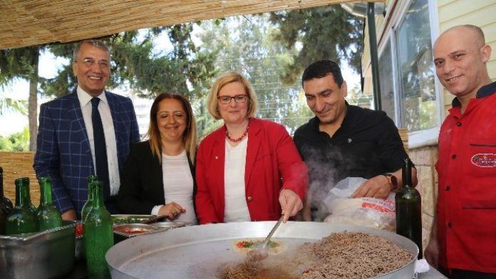 Alman Belediye Başkanının, Mezitli'yi Ziyareti