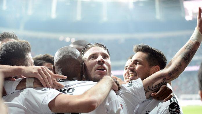 Beşiktaş'ta ilk 11 şekillendi