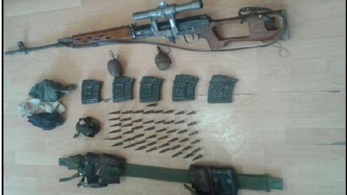 Güroymak'ta PKK'nın keskin nişancısı güvenlik güçlerine teslim oldu