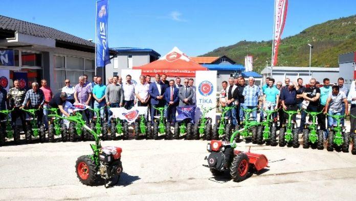 Sırbistan Sancak Bölgesi'nde Tarım Ekipmanı Desteği