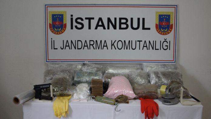 GÖRÜNTÜ BEKLENİYOR- İstanbul'da 2 buçuk milyonluk uyuşturucu operasyonu
