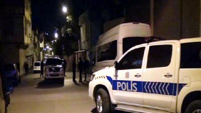Firari cinayet şüphelilerinin evine molotof kokteyli attılar