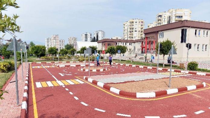 Otistik Çocuklara Trafik Parkı