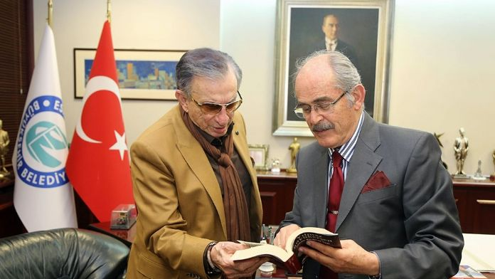 Usta tiyatrocu Haldun Dormen'den Eskişehir'e dev bağış