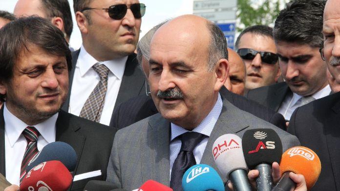 Müezzinoğlu'ndan sigarada 'siyah paket' açıklaması