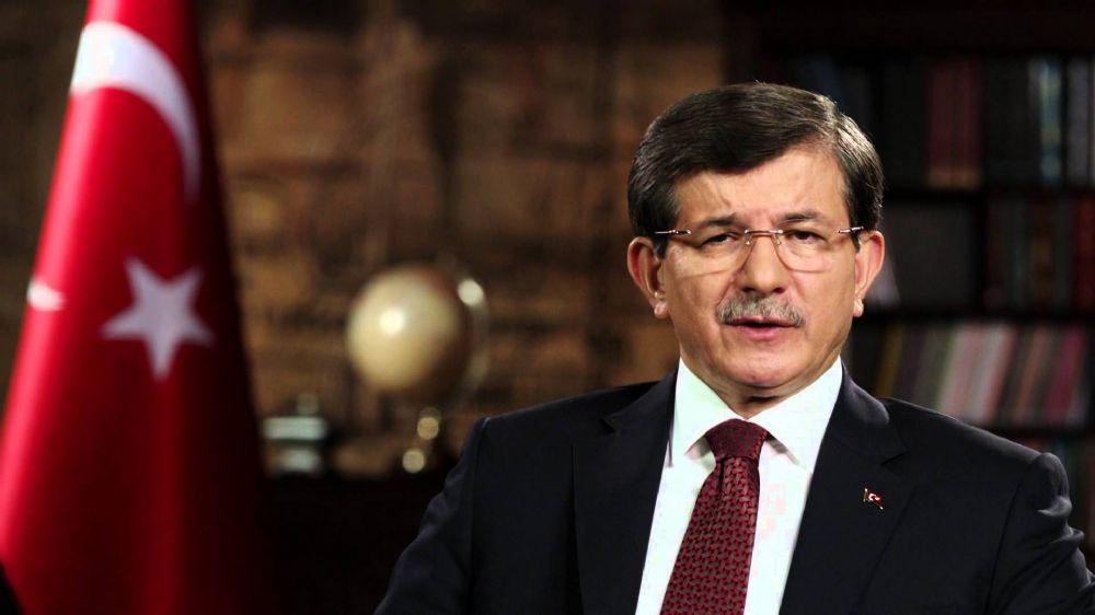 Başbakan Davutoğlu'na Sevgi Seli