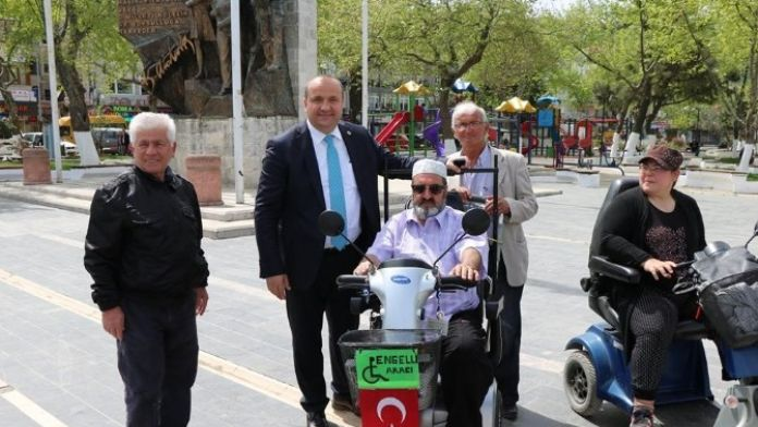 Çınarcık Belediyesi Engelliler İçin Farkındalık Yarattı