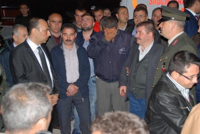 Türkiye 5 Şehidine Ağlıyor..