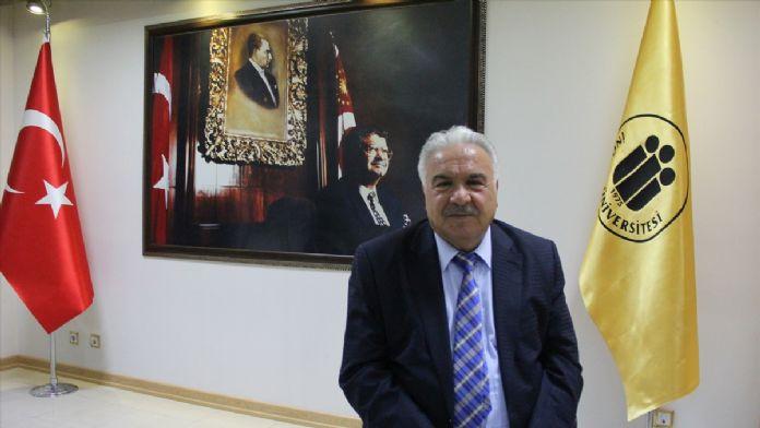 Siyasetçi, eş, baba... Her yönüyle Turgut Özal