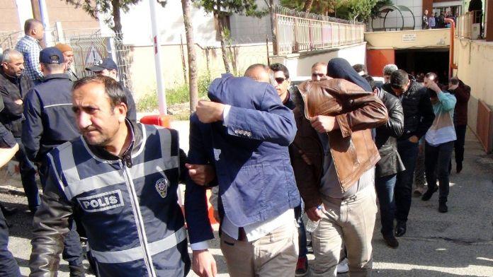 Dolandırıcılık operasyonunda 1'i avukat 23 tutuklama