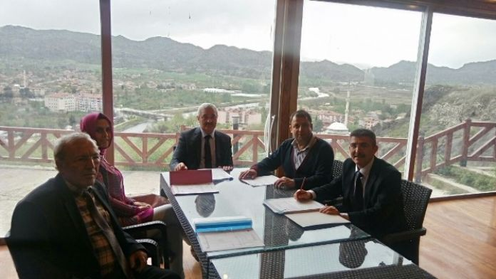 Tarihi Osmancık Kalesinde Encümen Toplantısı