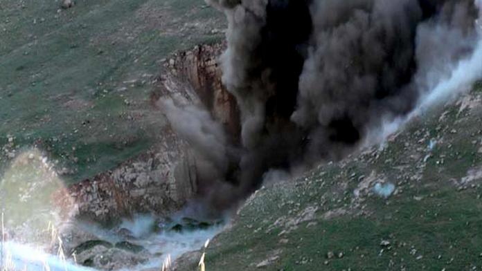 3 ton patlayıcı yüklü minibüs patladı