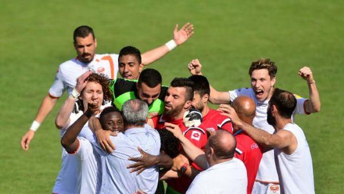 Adanaspor-1461 Trabzon Ek Fotoğrafları