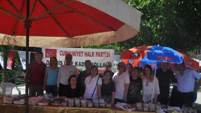 CHP Kadın Kolları kermes düzenledi