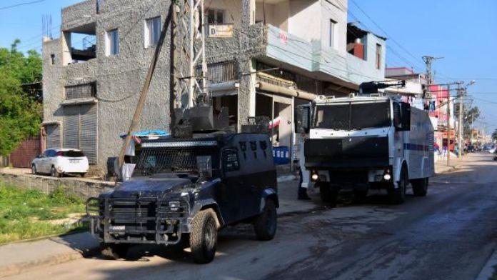 Adana'da polis ile çatışan 1 PKK'lı ölü ele geçti - Ek fotoğraf